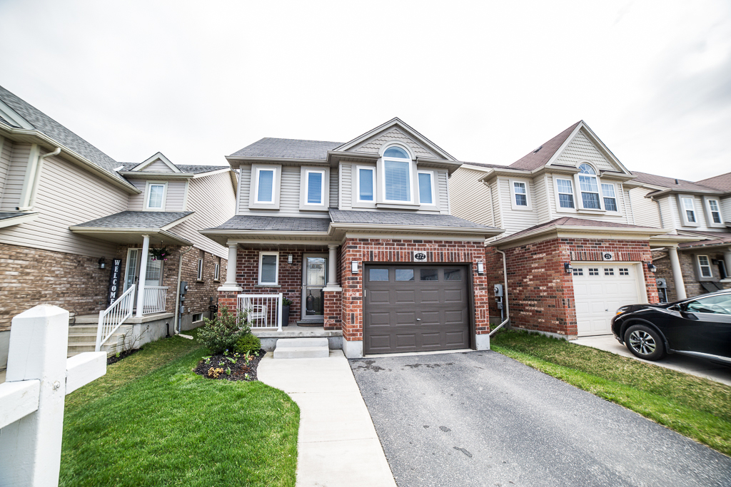 272 SIENNA Crescent Kitchener, Ontario